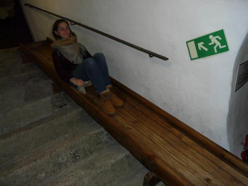 Noc v muzeu skluzavka
