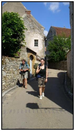 47-odchod-z-Vezelay